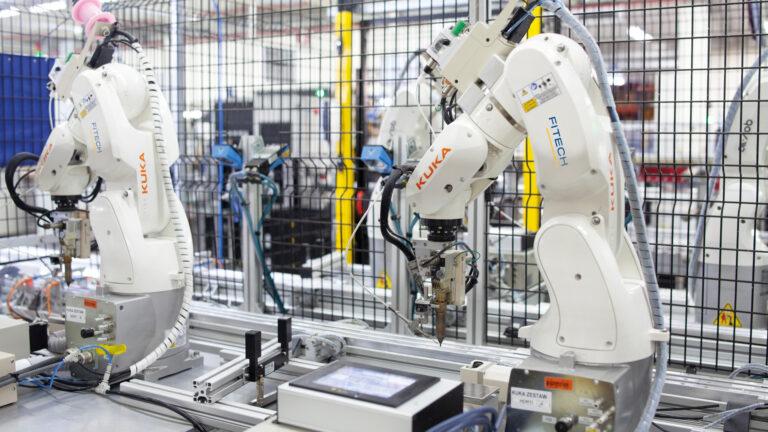 Automatyzacja i robotyzacja procesów produkcyjnych – wspieramy branżę automotive!