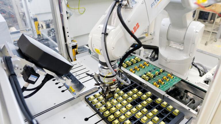 Kiedy automatyzacja procesów przemysłowych najbardziej się opłaca?