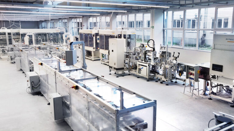 Automatyzacja linii produkcyjnych – czy i jak można się do niej przygotować?